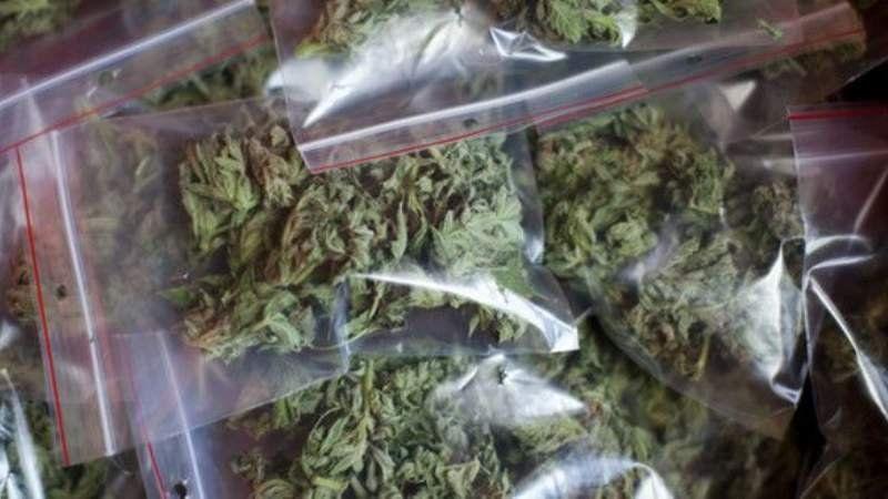 La policía realizó un operativo anti drogas en Monte Grande