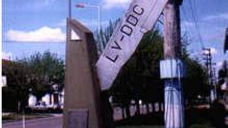 Recordaron el fallecimiento de la aviadora Carola Lorenzini