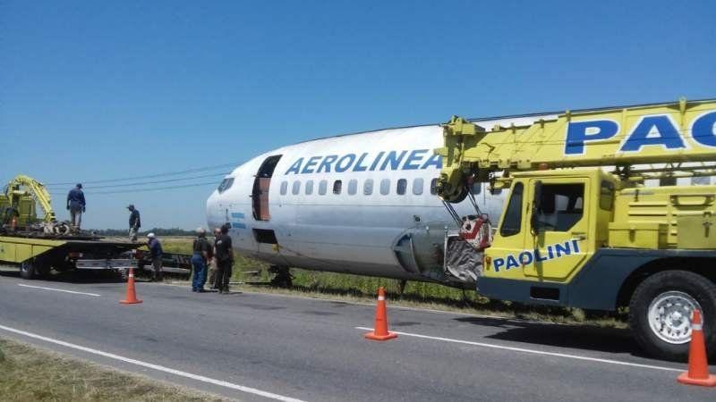 Se cayó un avión que llevaban por la ruta 58