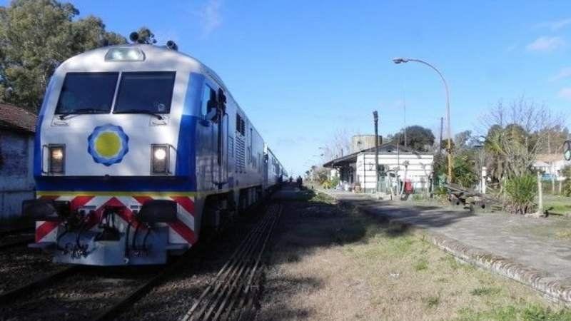 Vecinos reclaman por el servicio del tren a Chascomús