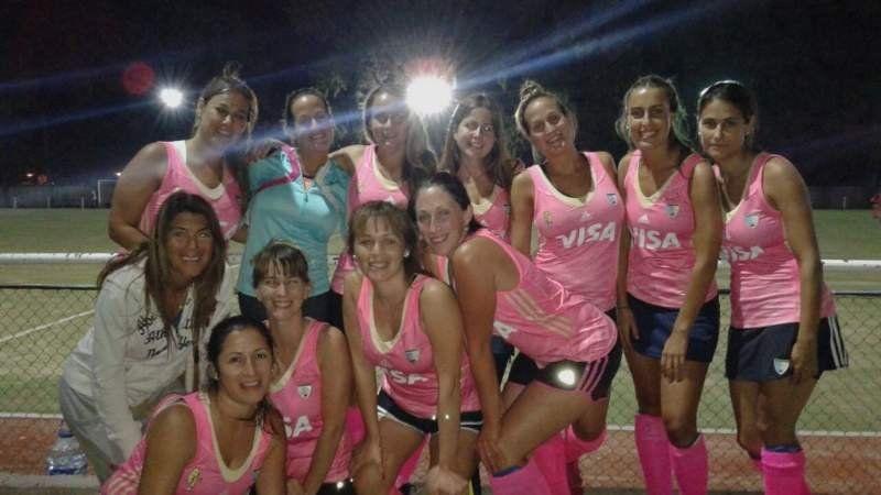 Pink: Un equipo que ve en el hockey su cable a tierra