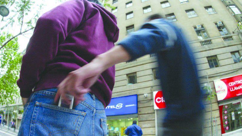 """Buscan una solución al robo de celulares y el """"crimen organizado"""" que conllevan"""