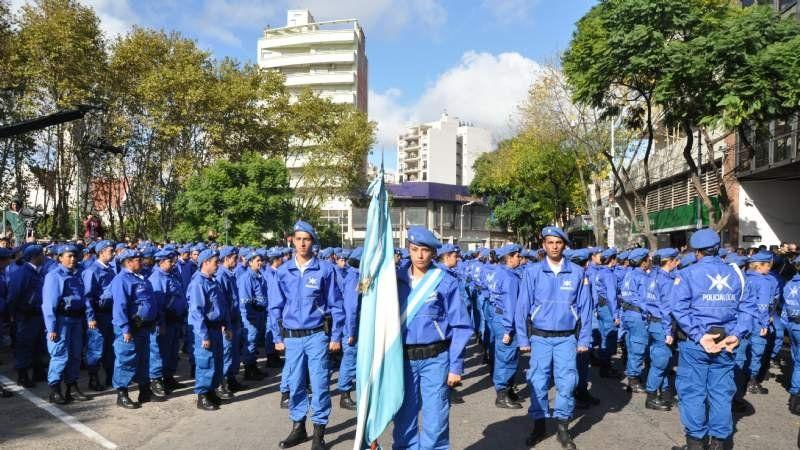 Egresaron 300 efectivos de la Policía Local de Esteban Echeverría