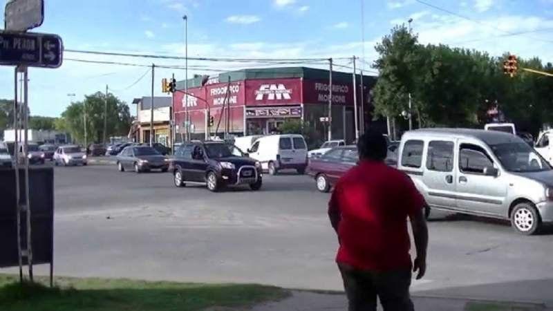 Detienen a un menor por robar un celular en el Cruce de korn