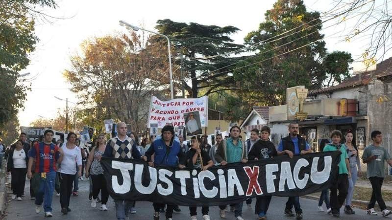 Realizaron una marcha por la muerte de un joven de 17 años