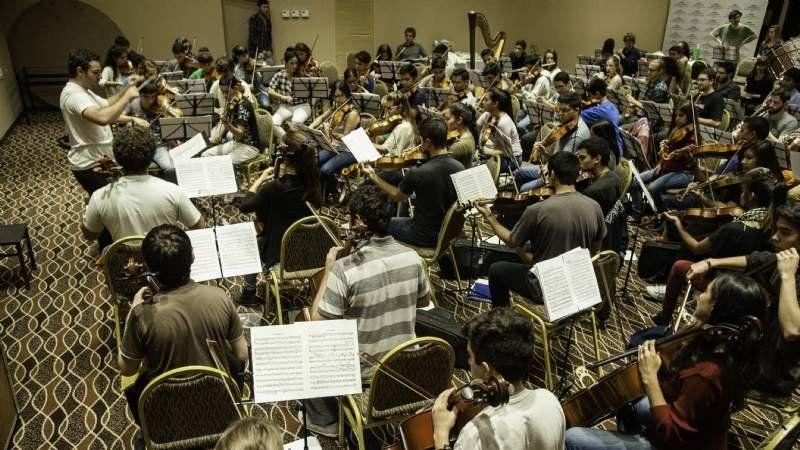 La Orquesta del Bicentenario se capacita en Canning antes de la gira nacional