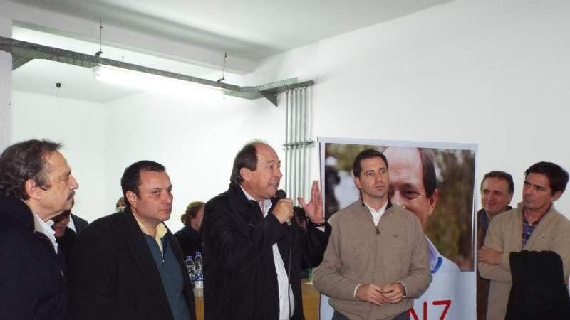 Sanz también recorrió Echeverría presentando su propuesta