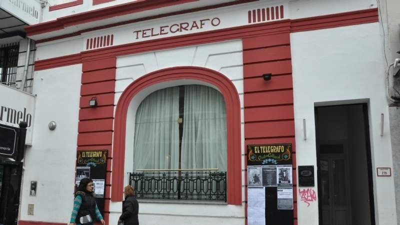 """Los jueves """"El Telégrafo"""" se llena de literatura"""