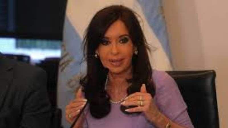 """Cristina Fernández: """"No entiendo cómo puede haber dirigentes que hablan contra el rol del Estado""""."""