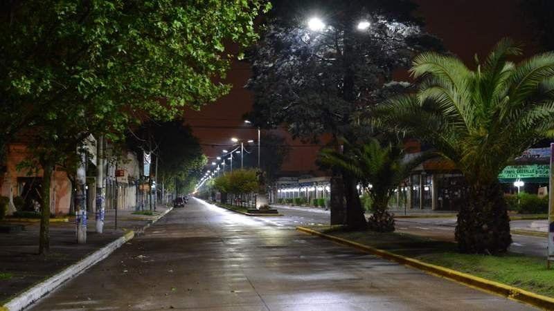 Reemplazan luminarias en la avenida Sarmiento
