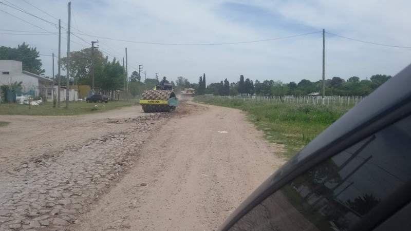 Arreglan el asfalto de la avenida Illia