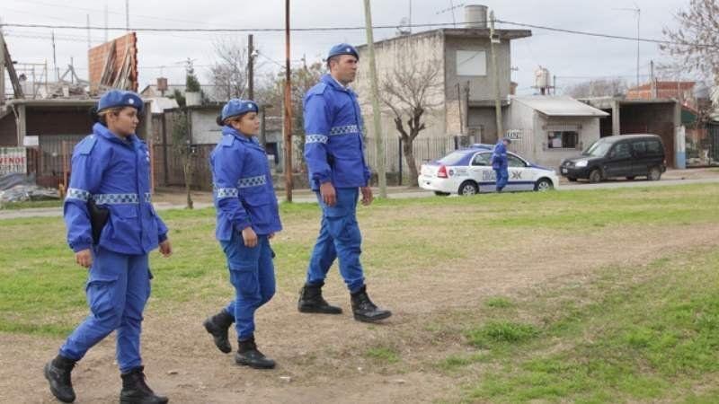 Un detenido por robo y tres detenidos por amenazas en Luis Guillón