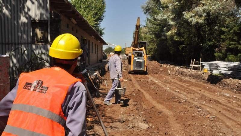 Se está asfaltando la calle Beltrán en Monte Grande