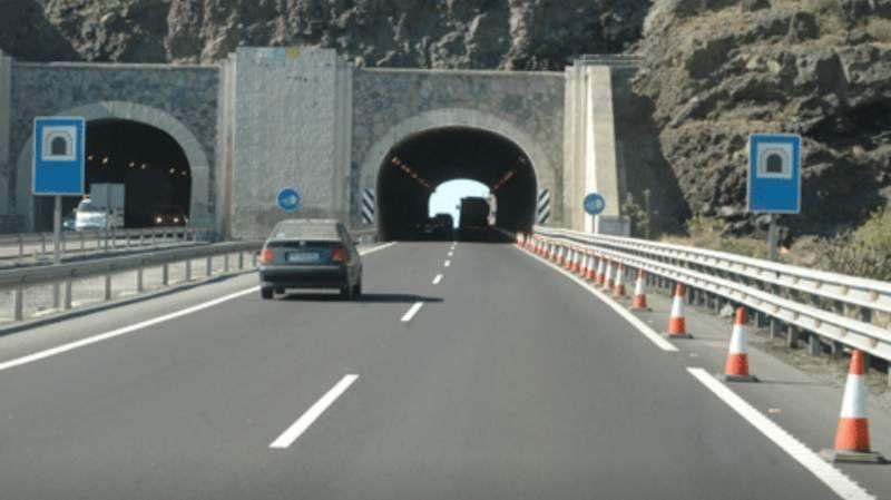 ¿Cuán ancha es la ancha avenida del medio? ¿O es que en realidad no existe?