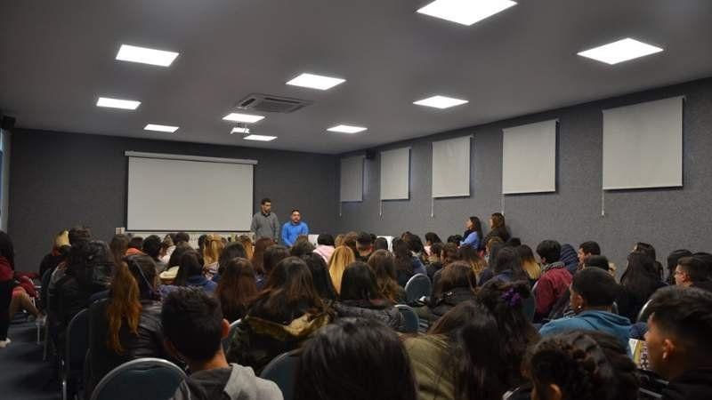 La UNLZ realizó la primera visita guiada del año para alumnos del secundario