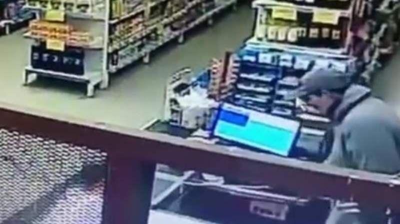 Berazategui: asaltaron un supermercado y balearon a uno de los empleados