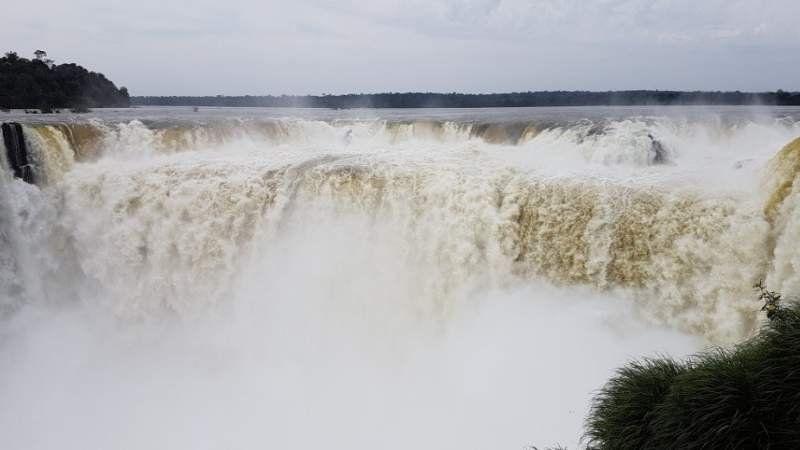 Video: Así se vio el impactante desborde de las Cataratas del Iguazú