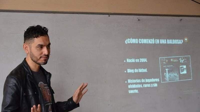 El creador de En Una Baldosa visitó la Universidad de Lomas