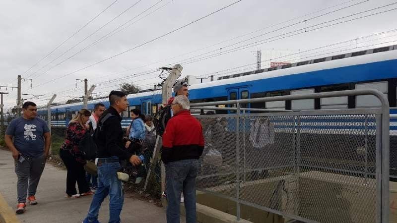 Accidente en Monte Grande: el tren funciona con demora