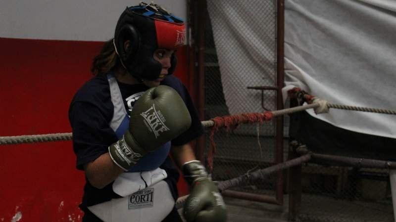 Agustina Rojas debutó profesionalmente con un triunfo en el boxeo