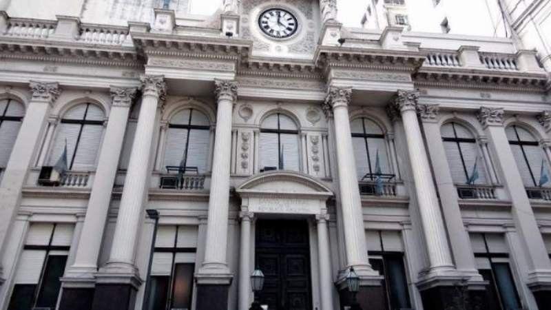 Bancos buscan extender el horario de atención y abrir los fines de semana