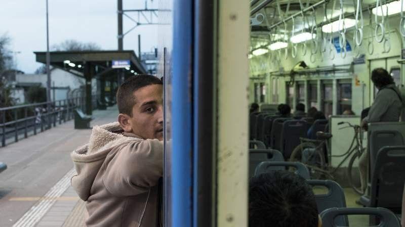 Alejandro Korn como nunca lo viste: del pueblo al conurbano, por un fotógrafo artista