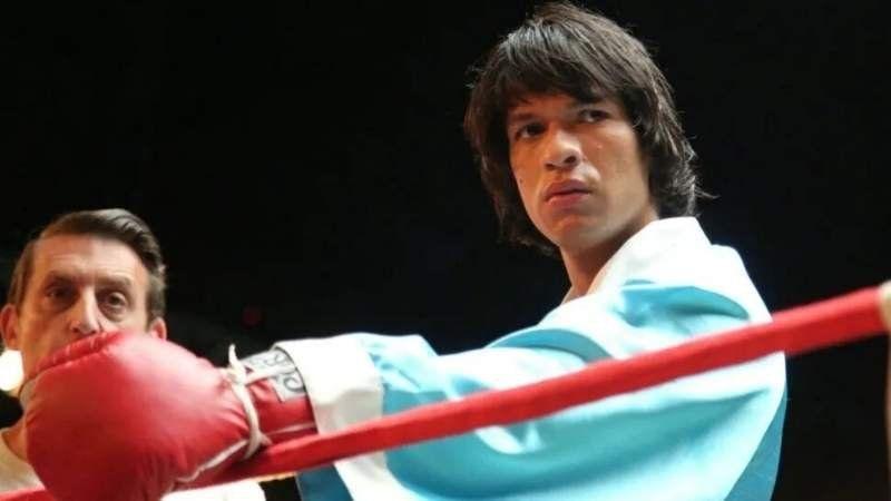 Hoy se estrena la serie Monzón, que muestra el recorrido del campeón de boxeo al femicida