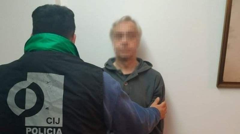Detuvieron a otro médico acusado de distribuir pornografía infantil