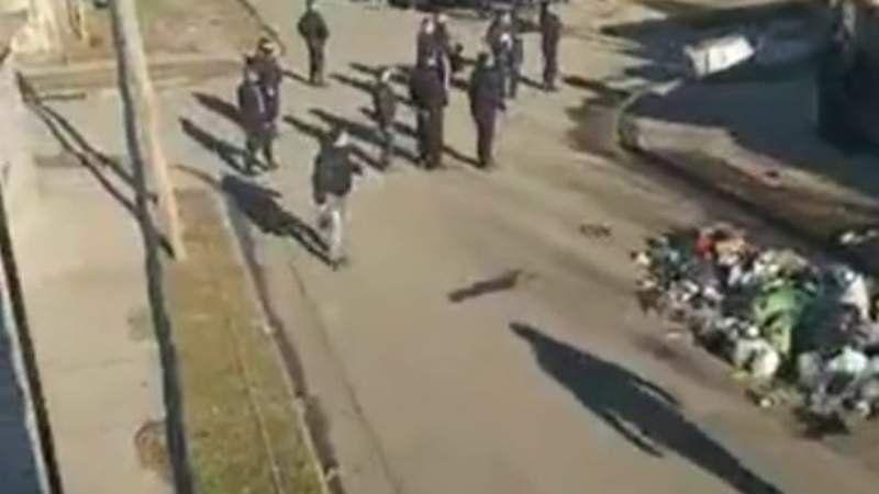 Violento desalojo de un predio tomado en Villa Caraza