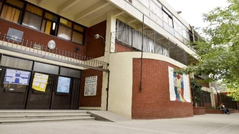 Colegio Saavedra: La polémica medida que se aplica por la falta de estufas