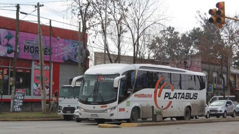 Micros a La Plata: nuevos horarios tras quejas de los pasajeros