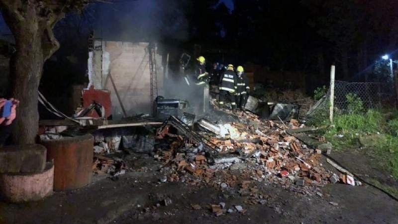 Tragedia en Pilar: dejaron a sus hijos solos y murieron cuando se incendió la casa