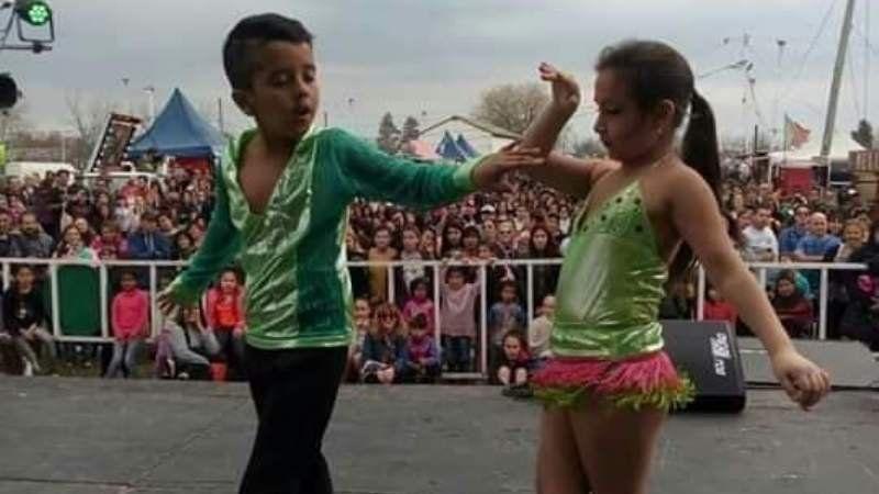 Dos chicos de Alejandro Korn bailarán en el programa de Susana Giménez