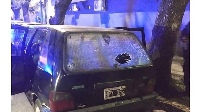 Detuvieron a un policía acusado de balear a un joven en Camino de Cintura por un incidente de tránsito