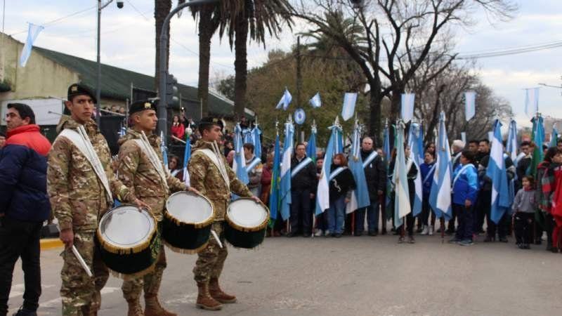 El emotivo Día de la Independencia en Almirante Brown