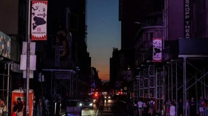 Un apagón dejó sin electricidad a más de 70 mil personas en Nueva York