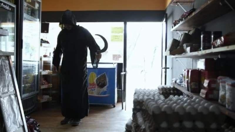 Viral: una fiambrería es visitada por La Parca en un spot
