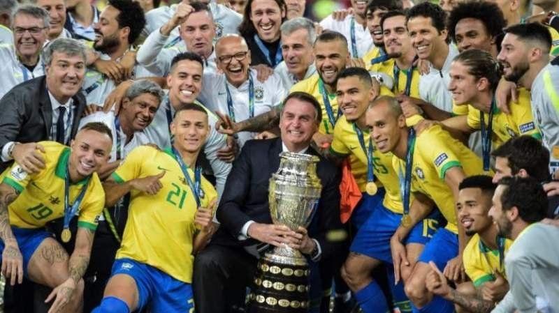 El presidente de Brasil dijo que las críticas de Messi en la Copa América fueron un show