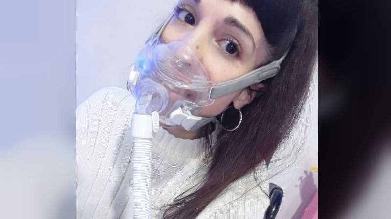 El drama de una electrodependiente: Sufre cortes de luz desde hace 15 días