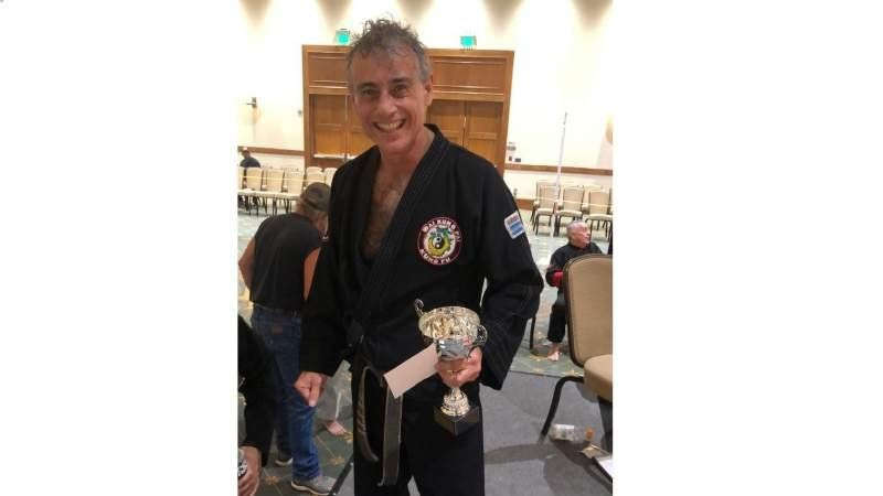 Un profesor de Echeverría del Lago compitió en el Mundial de Artes Marciales