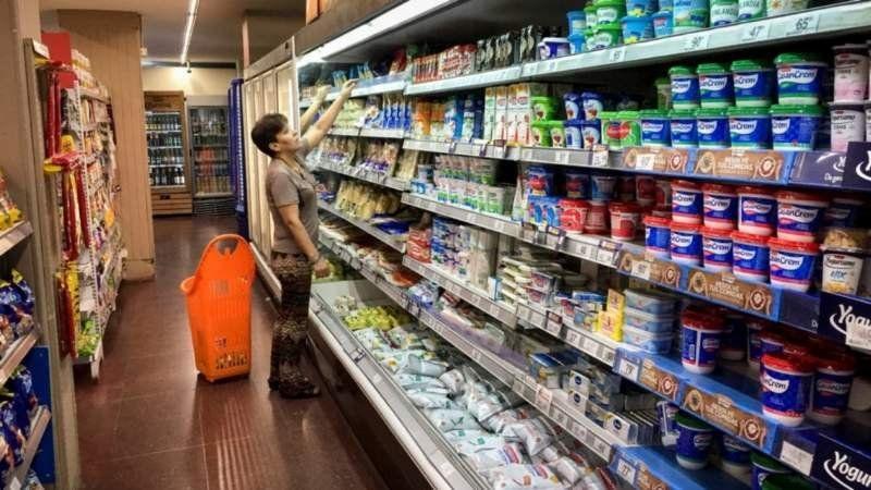 Las ventas de lácteos bajaron hasta 13% mientras los precios suben