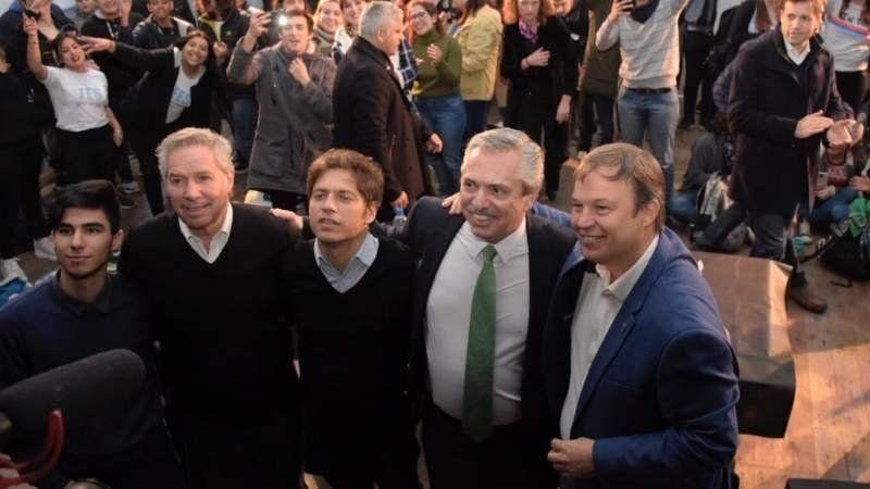 Alberto Fernández y Kicillof se reunieron con estudiantes en Adrogué