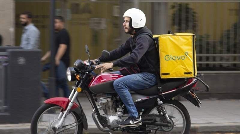 Hacía un reparto, se accidentó y la empresa de delivery le contestó de una manera insólita