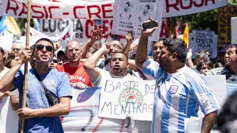 Trabajadores de Cresta Roja emitieron un duro comunicado contra el gobierno