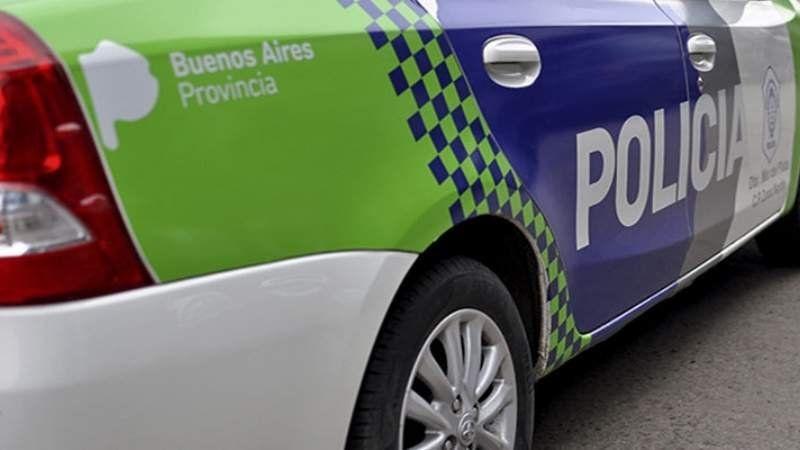 Hacían delivery de drogas en moto y los detuvieron en Guernica: son de Glew