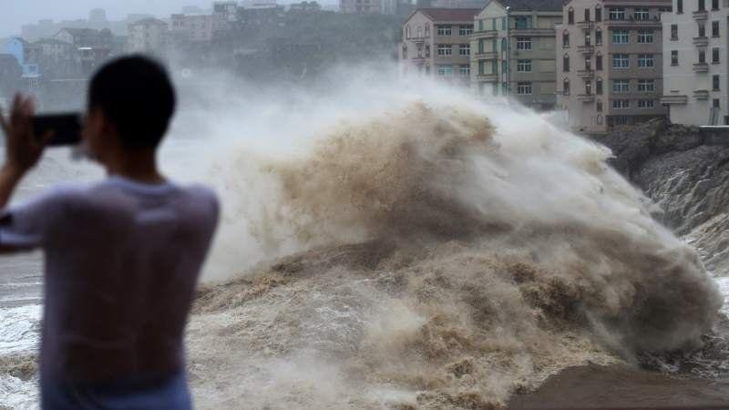 Un millón de evacuados, 22 muertos y 16 desaparecidos en China por el tifón