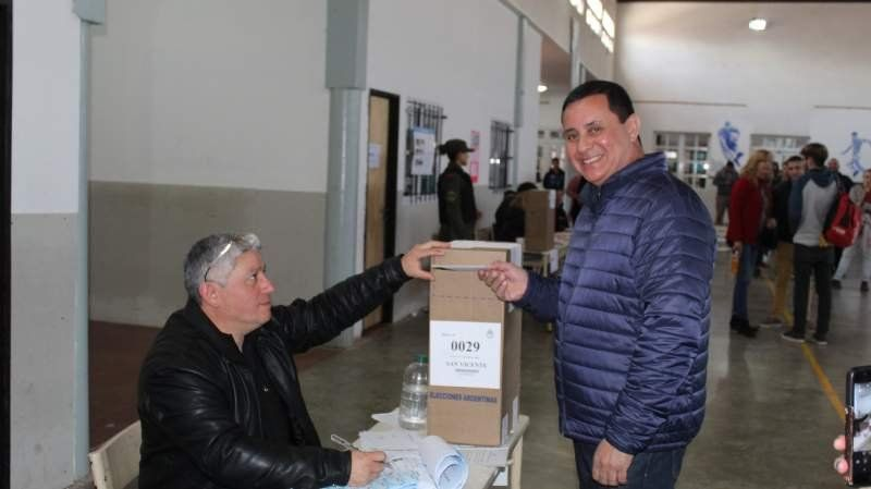 """Votó Mauricio Gomez: """"Se define el San Vicente que queremos tener"""