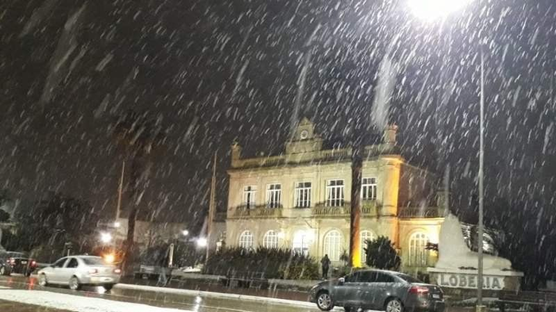 Nieve en Buenos Aires: Mar del Plata, Necochea, Balcarce y Lobería se tiñeron de blanco