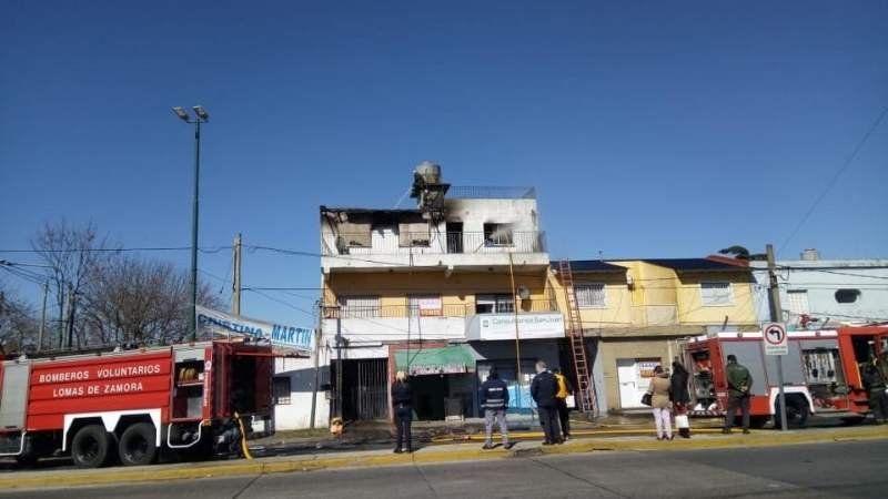 Se le incendió la casa a un docente de la Universidad de Lomas y lo perdió todo