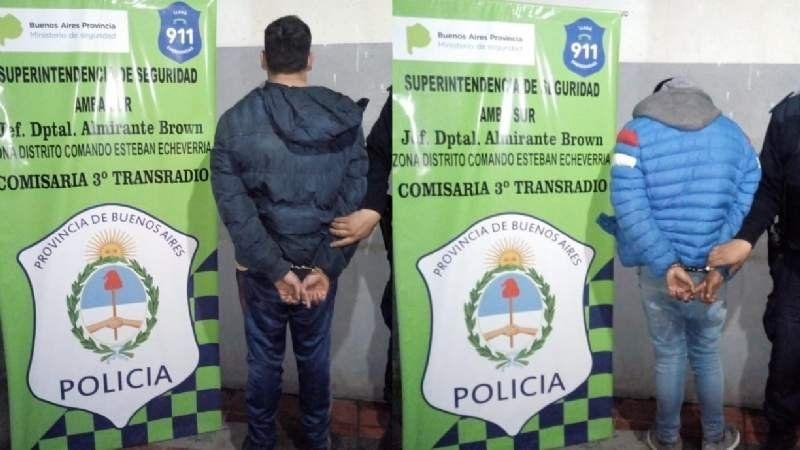 Detuvieron a dos menores armados intentando robar en Camino de Cintura